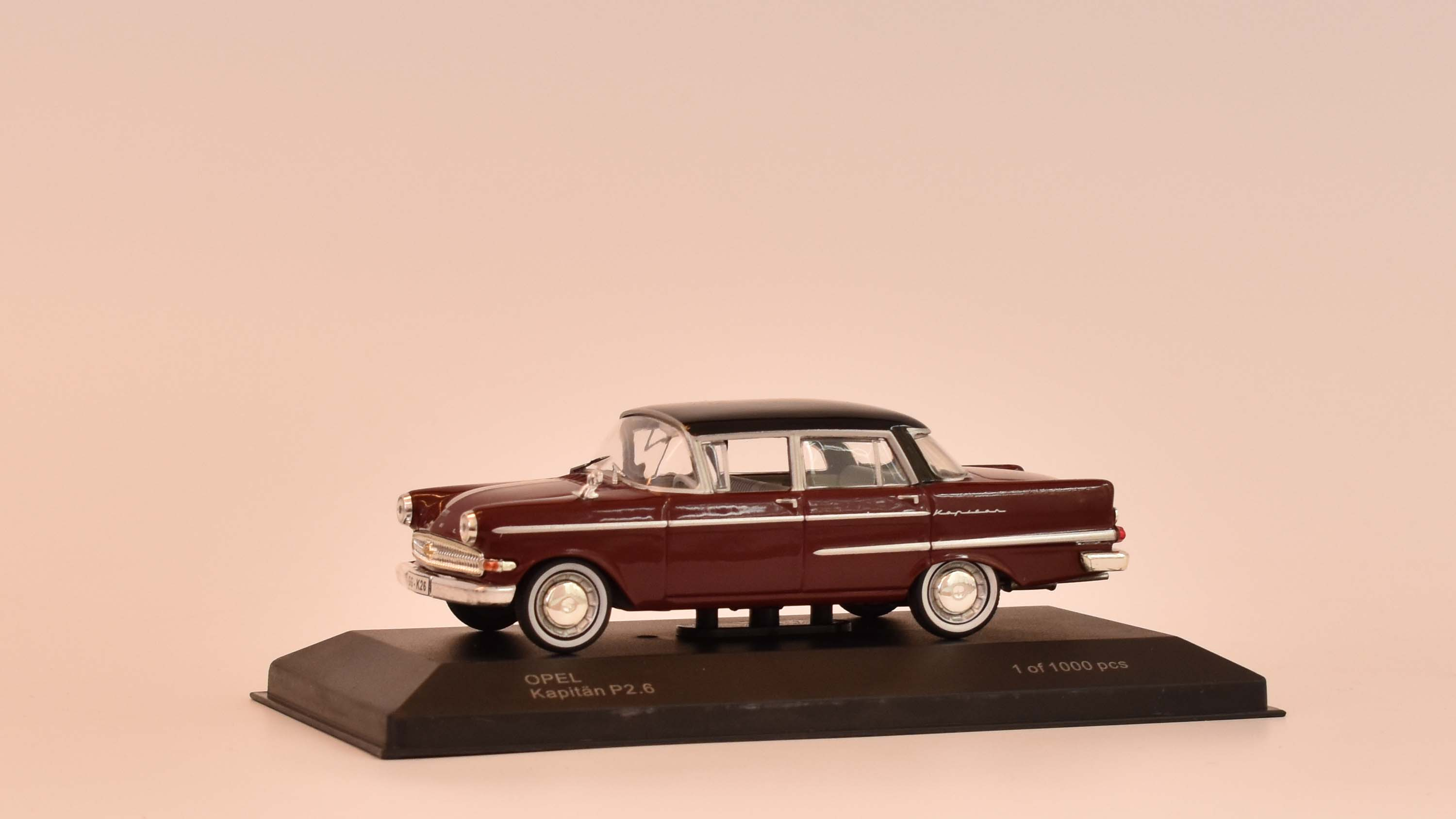 Opel Kapitan P2.6 - 1959 1:43 - WhiteBox časopis s modelem