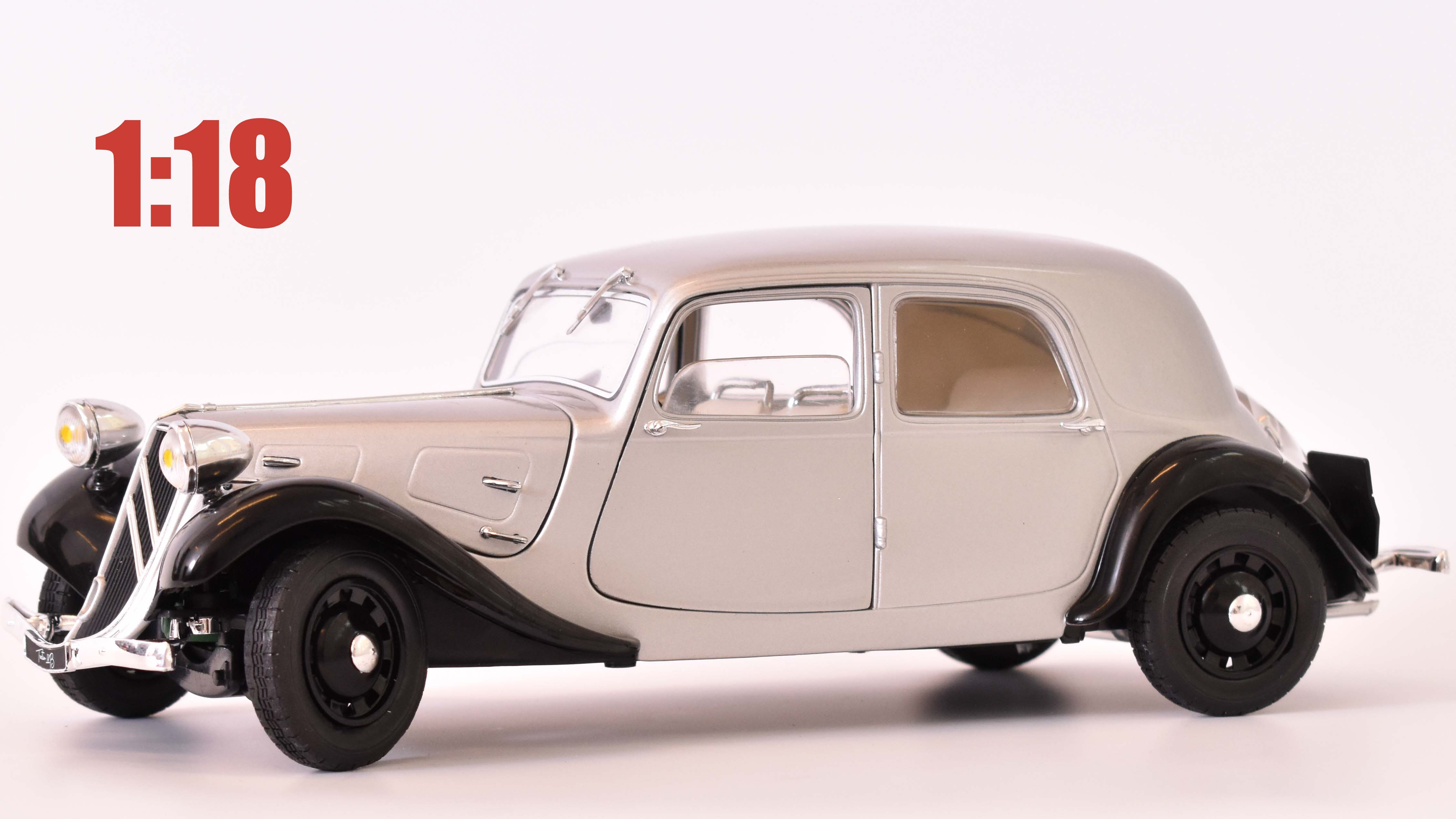 Citroen Traction 11B - 1973 1:18 - Solido časopis AutoModels s modelem