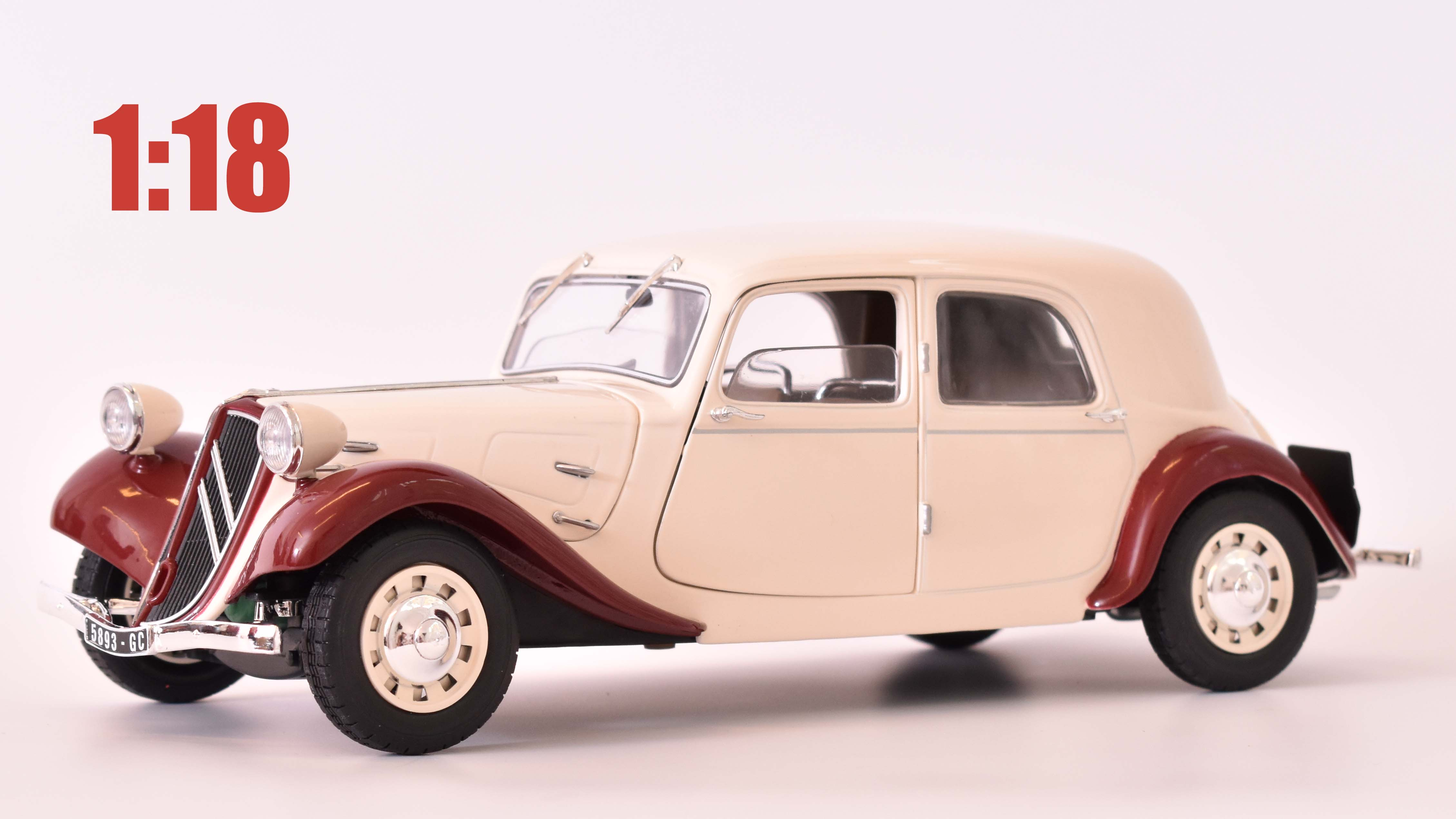 Citroen Traction 11CV - 1938 1:18 - Solido časopis AutoModels s modelem