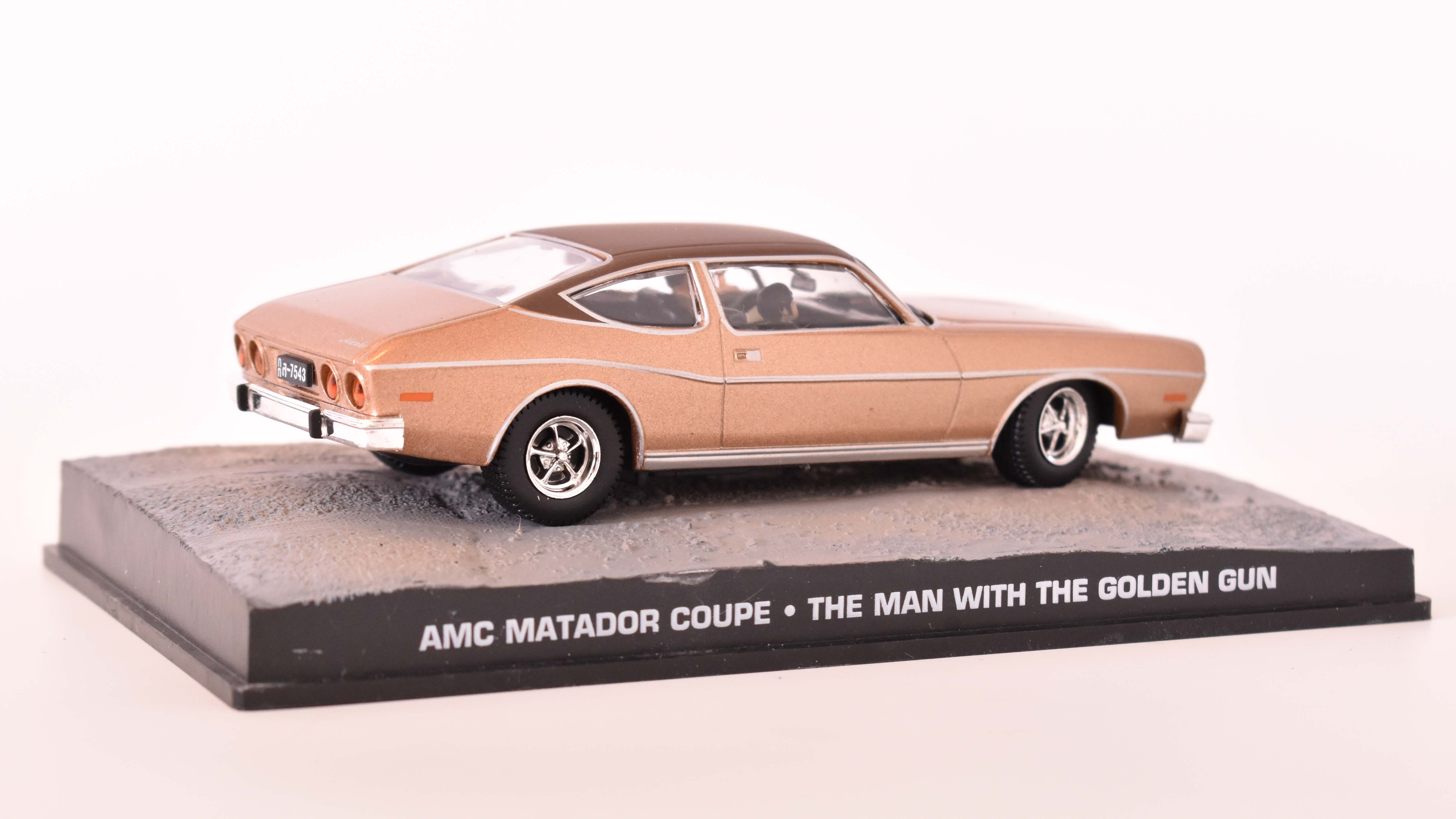 AMC Matador Coupe 1971 James Bond 1:43 časopis AutoModels s modelem