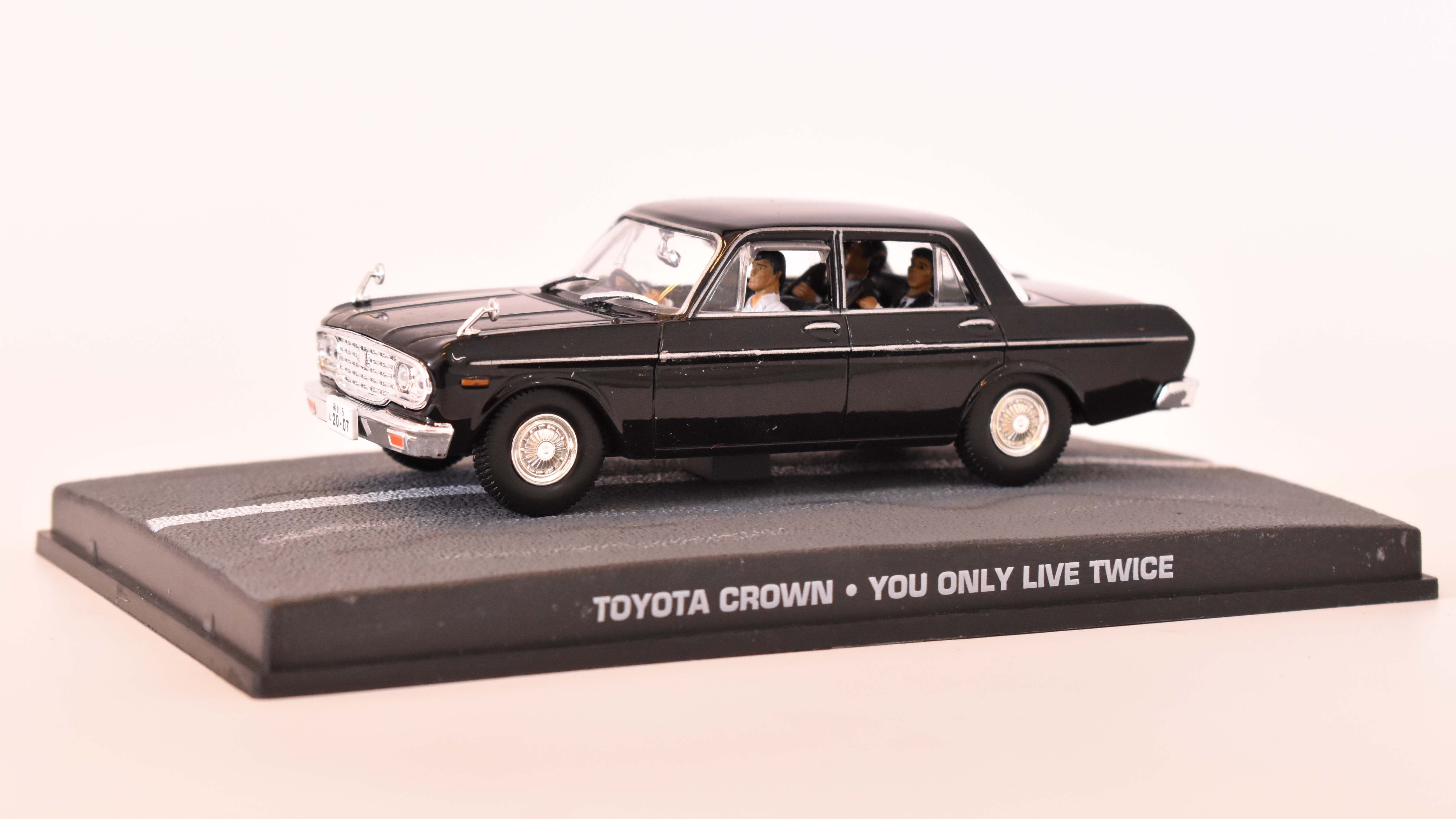 Toyota Crown S40 1967 James Bond 1:43 časopis AutoModels s modelem