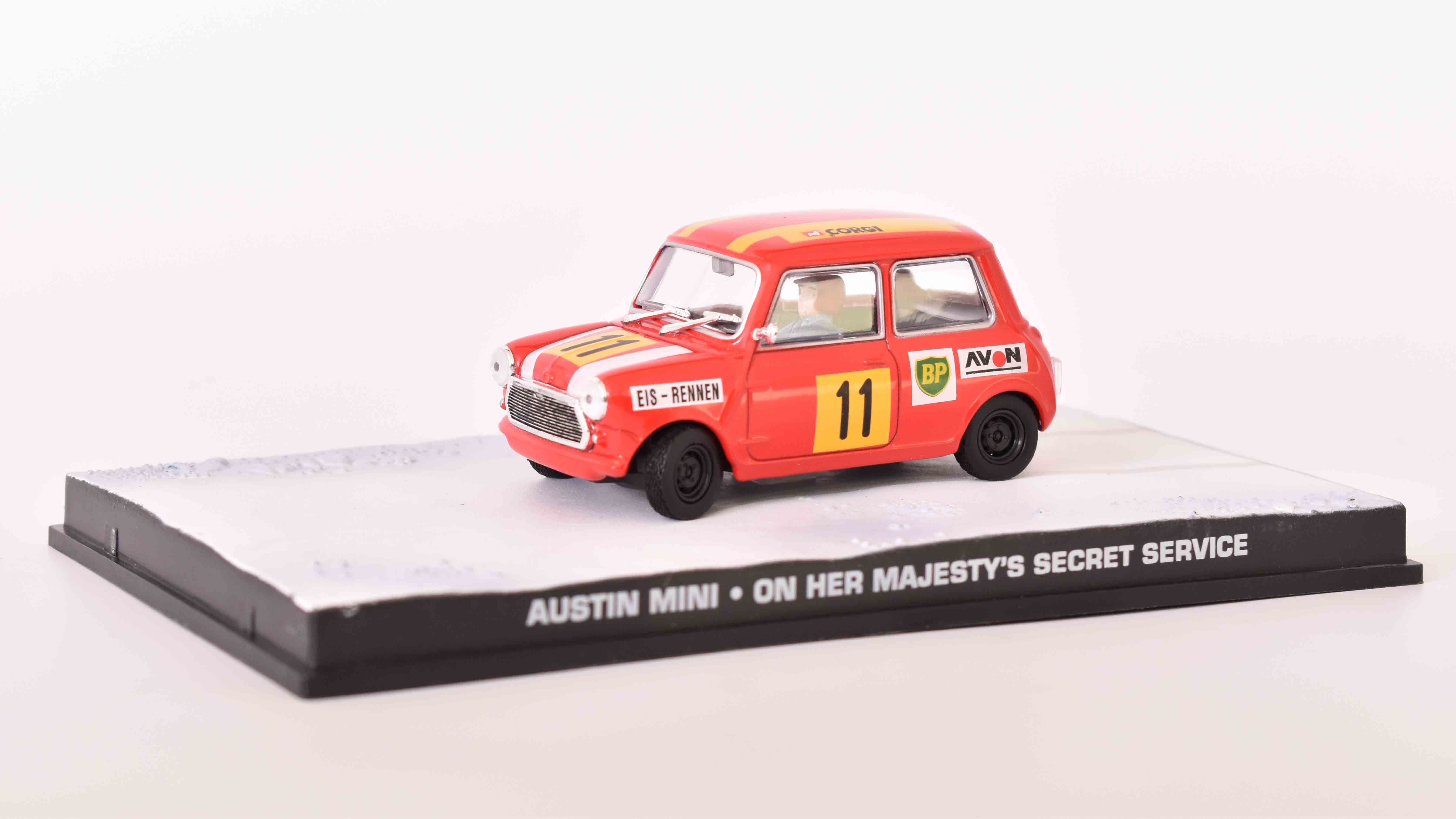 MiniCooper Racing N11 1969 James Bond 1:43 časopis AutoModels s modelem