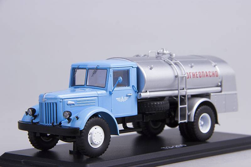 TZ-200 (MAZ-200) - Start Scale Models