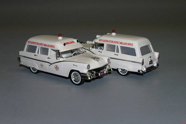 Ford Mainline ambulance - Vector-models
