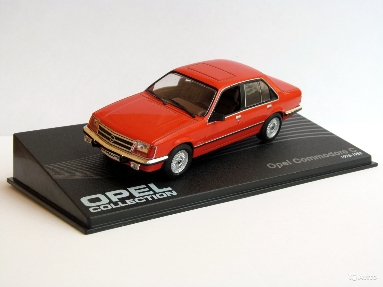 Opel Commodore C 1:43 Opel collection časopis s modelem