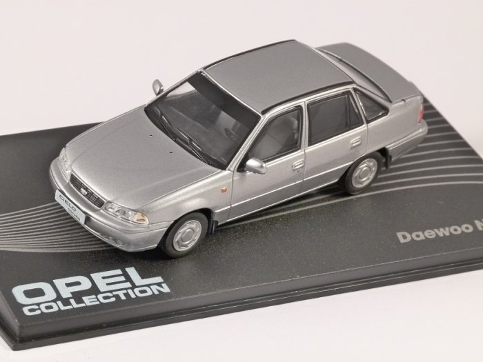Daewoo Nexia 1:43 Opel collection časopis s modelem